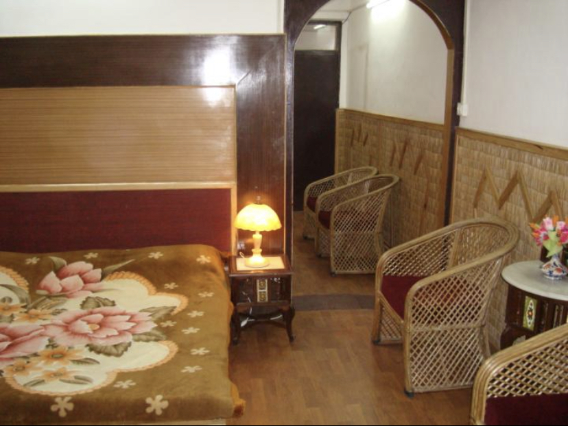 Best https://images.mbgcard.com/4763/010768E8-5B56-411D-A780-CBC09724ED8A.jpeg in Zoo Road (Walking Distance From Mall Road), Tallital, Nainital, Uttrakhand 263001