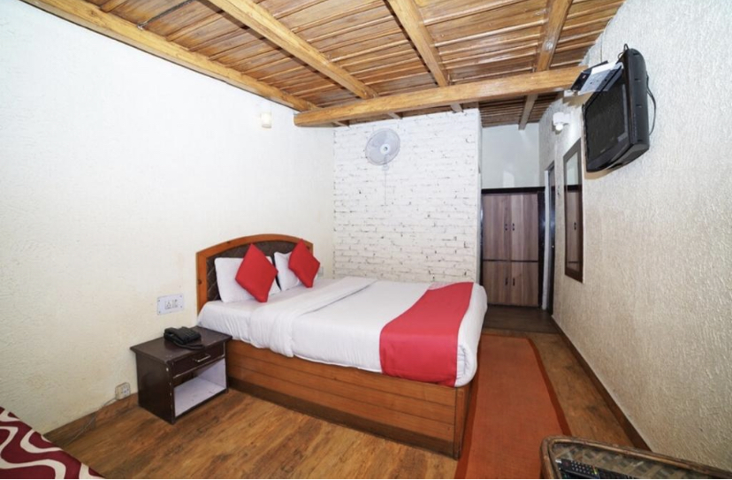 Best https://images.mbgcard.com/4763/94CED0B8-52F2-4FA8-84E3-579C3107745D.jpeg in Zoo Road (Walking Distance From Mall Road), Tallital, Nainital, Uttrakhand 263001